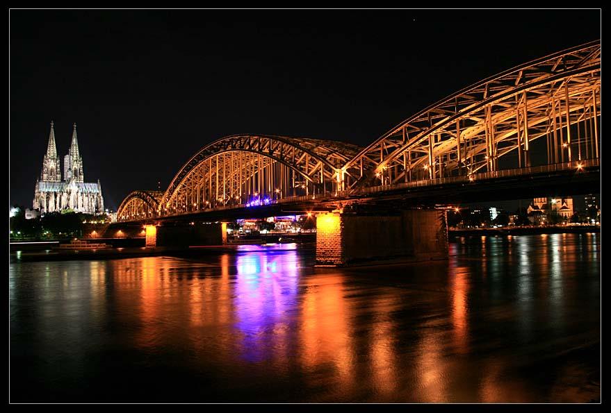 Cologne at Night (I)