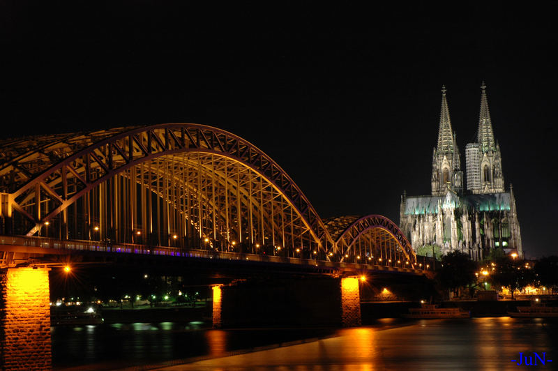 Cologne by the night