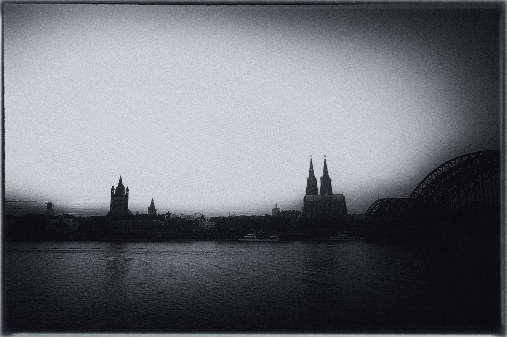 Cologne, in foggy mood..