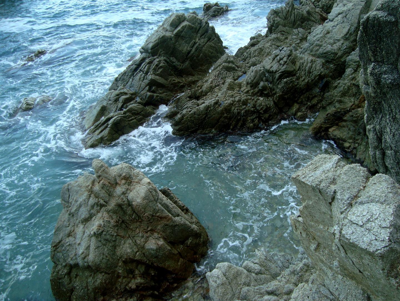 Color del agua   en las rocas