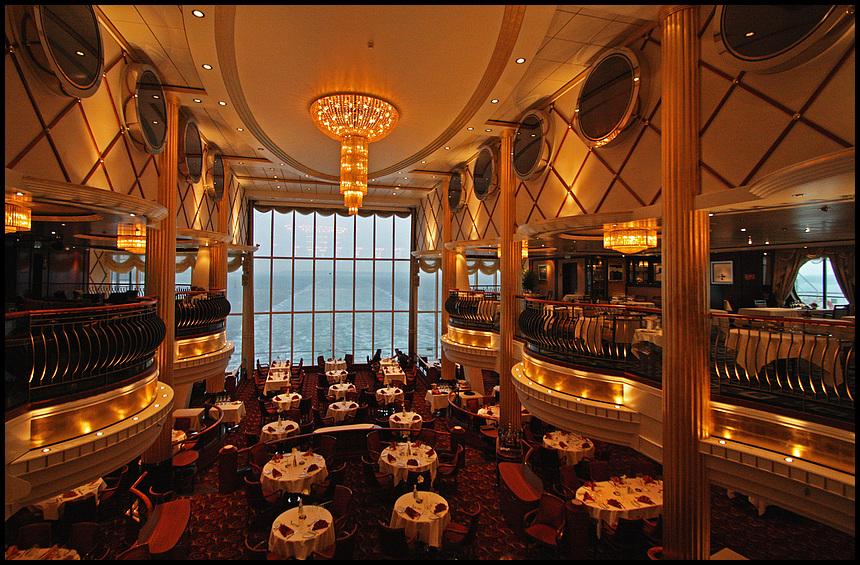 COLOR MAGIC - Manhattan Restaurant