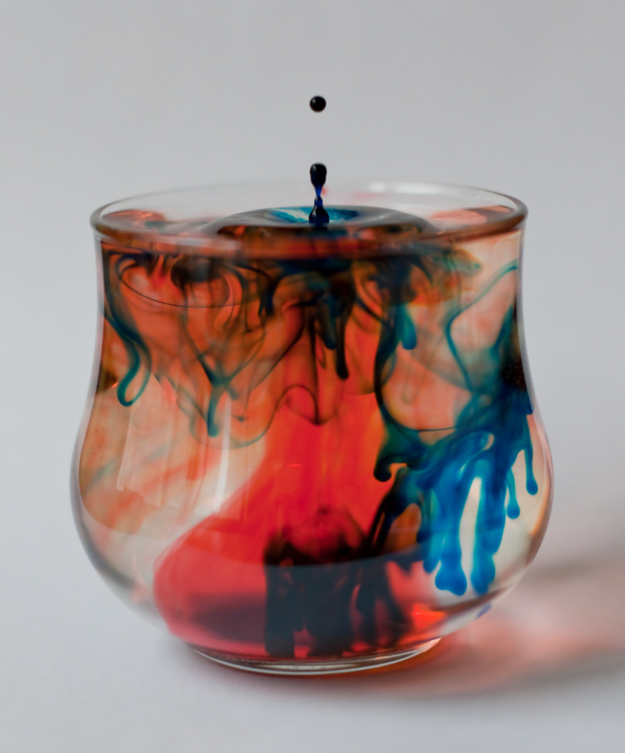 Colored water drop photography