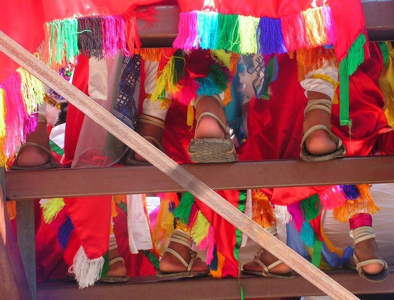 Colores y pies mexicanos