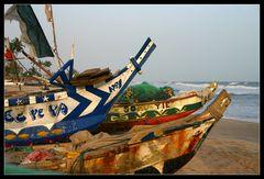 ... Colorful Boats, Kokrobite, Ghana ...
