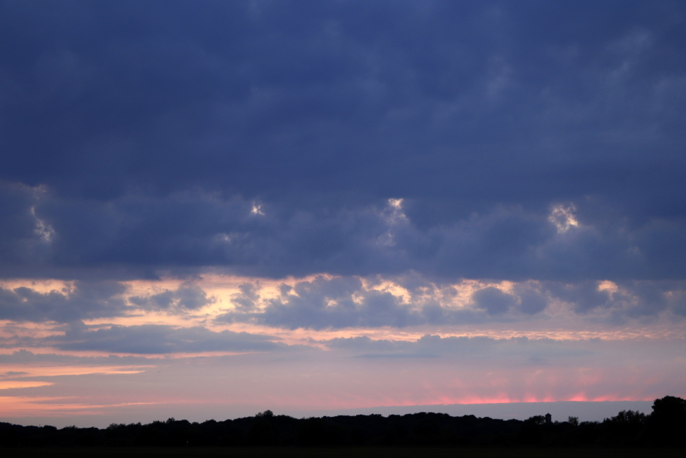 Colours in the sky - image 1
