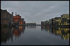 Colours of Duisburg 25 - Wenn es Nacht wird...