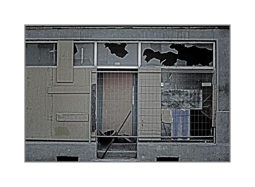 Colours of Duisburg 34 - Broken Glass