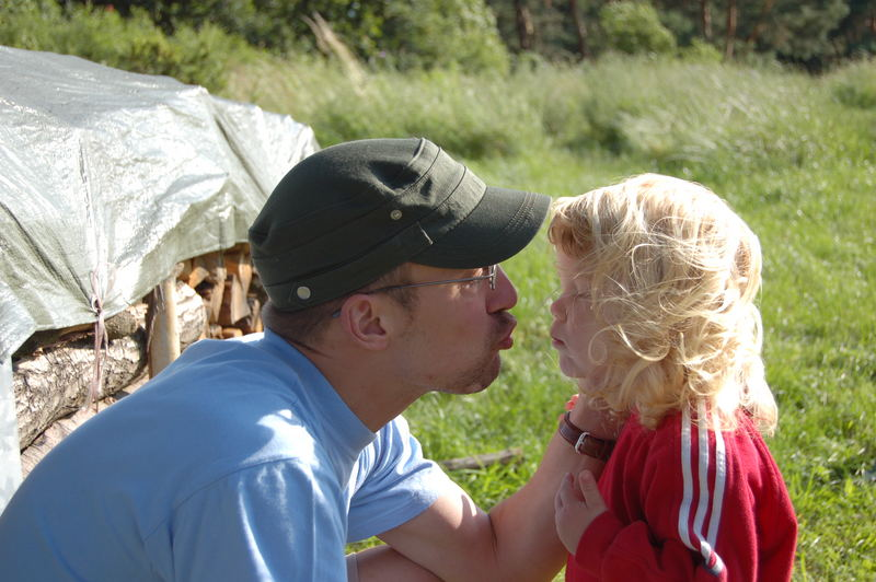 Come on Shanny, give Daddy a kiss!