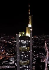 Commerzbank-Tower Frankfurt @ Night - vom Main Tower