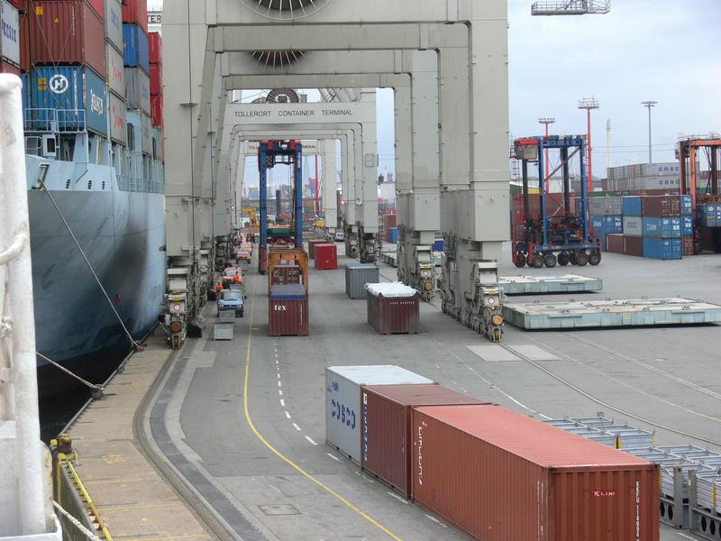 Containerbrückentunnel