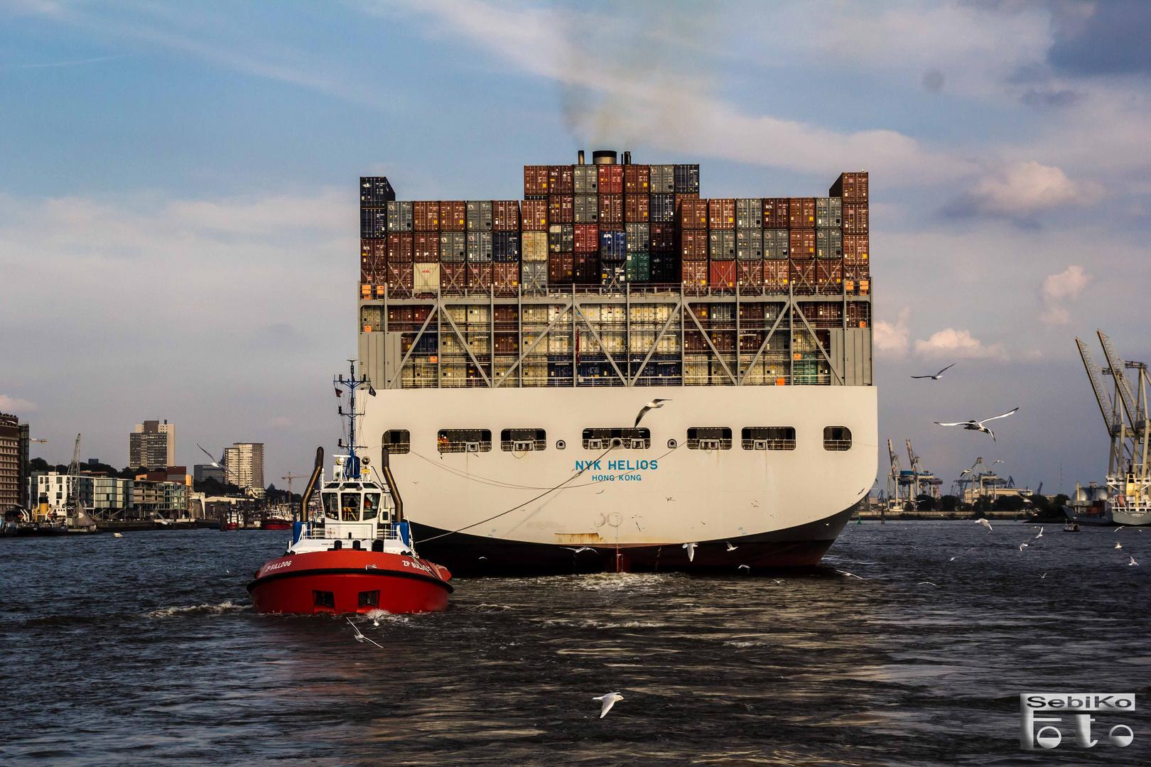 Containerschiff aus Fernost