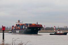 Containerschiff Kobe Express wird gedreht #5