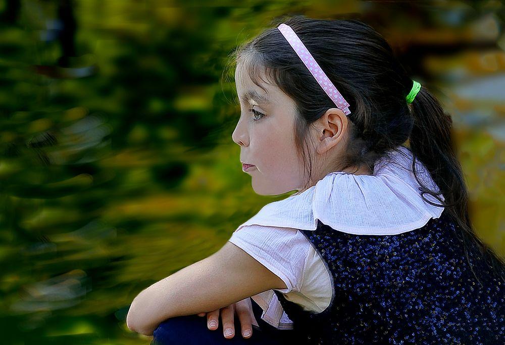 Contemplando   el   agua   en el  parquecito