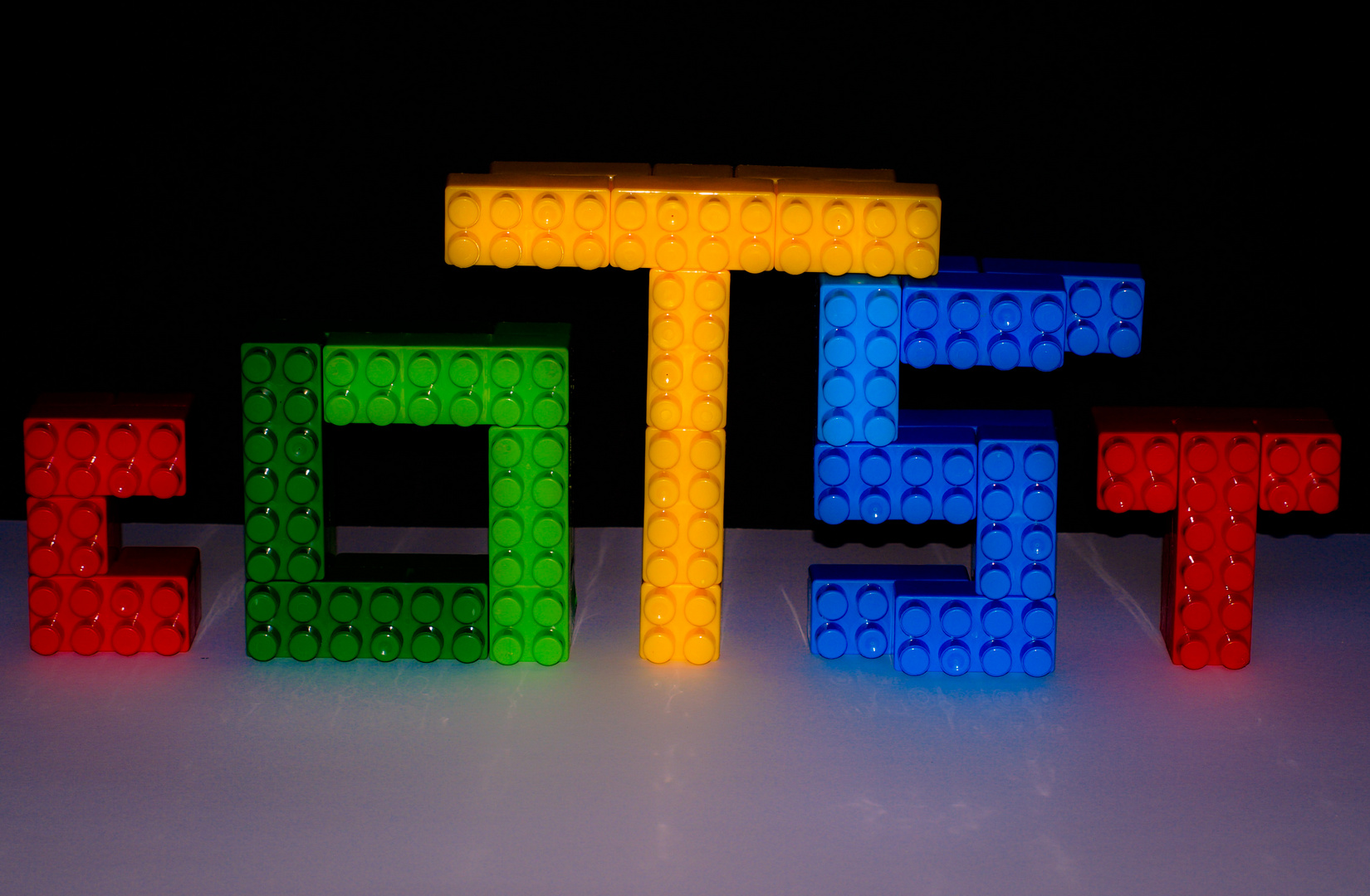 contrasting colors in lego