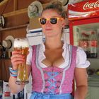 Cooles Girl und cooles Bier