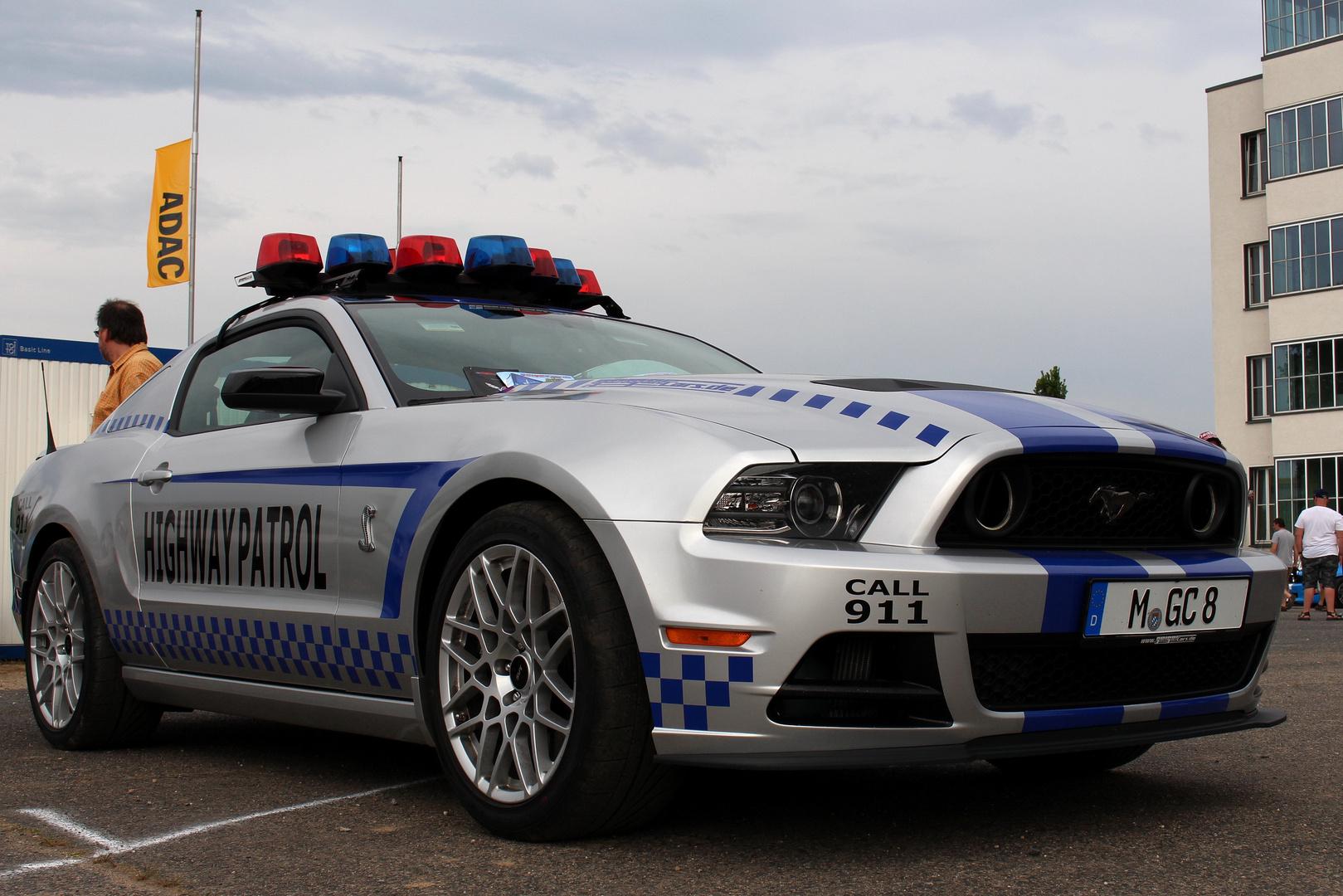 Cop Mustang