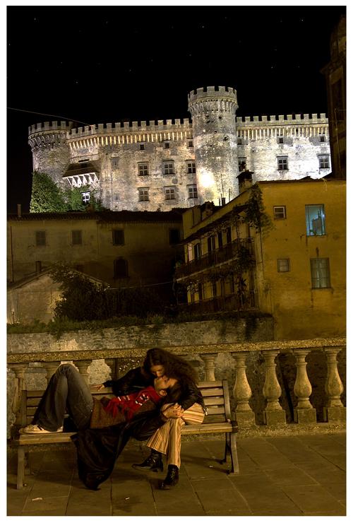 Coppia sotto il castello