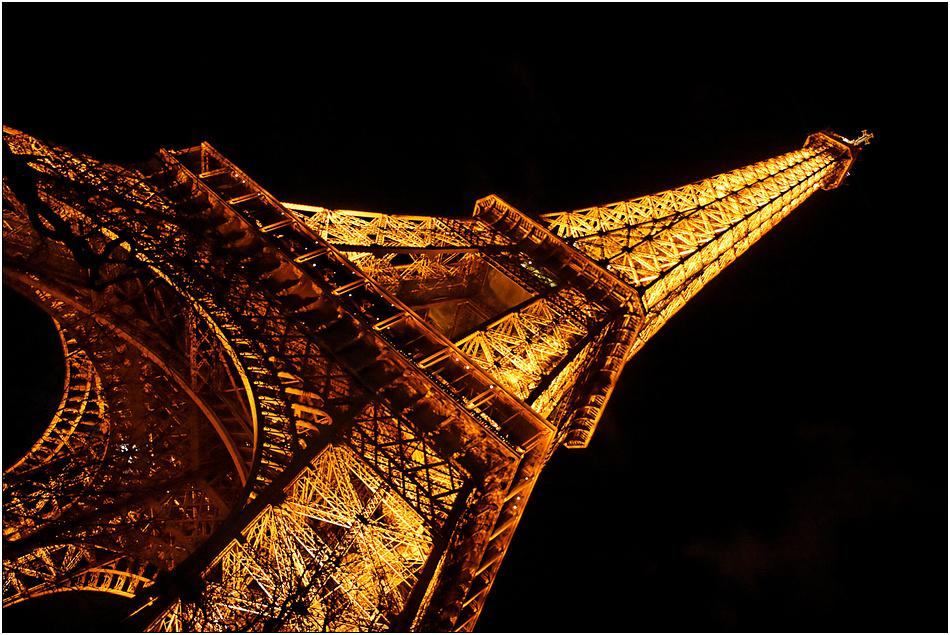 """Copyright Tour Eiffel - Illuminations Pierre Bideau"""