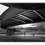 Corriendo bajo el puente