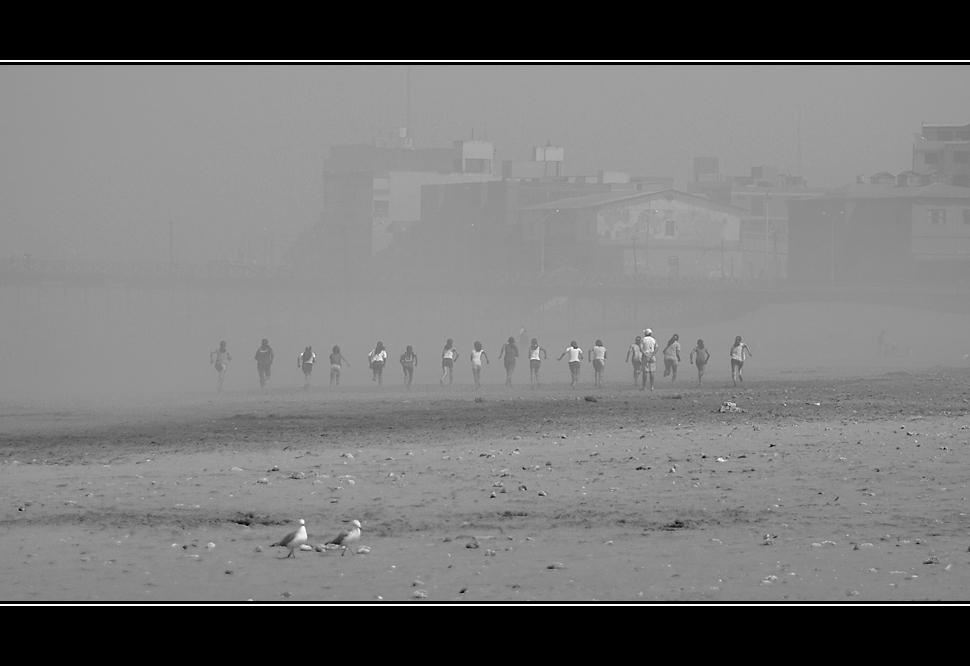 - corriendo en la neblina -