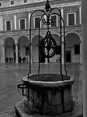 Cortile palazzo ducale (Urbino)