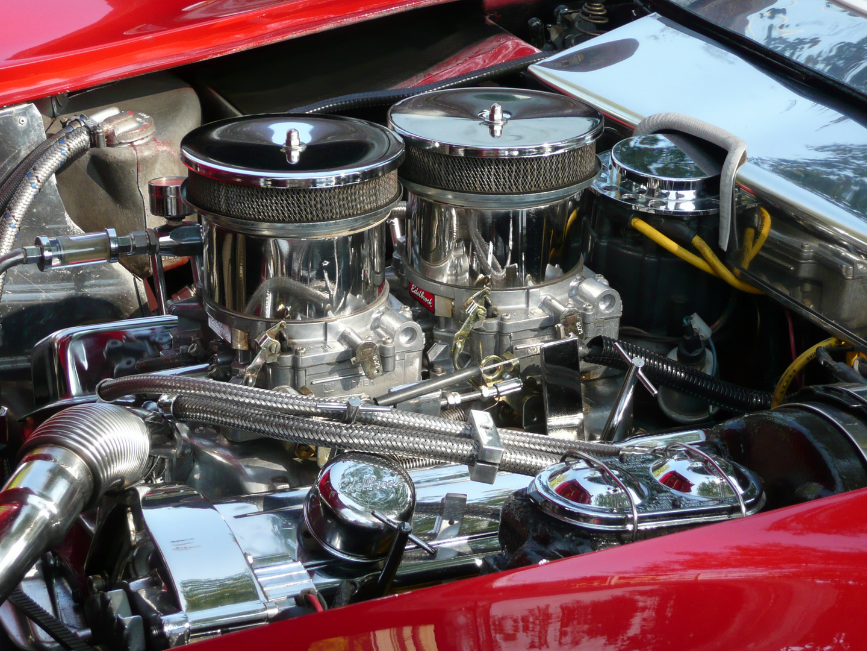 Corvette Stingray - Edelbrock-Engine