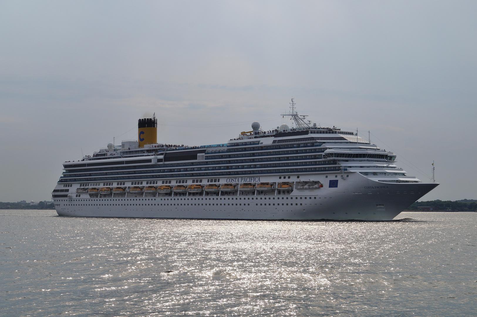 Costa Pacifica läuft von Kiel aus / 20.07.2014