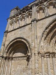 Côté nord de la façade de l'Eglise Saint-Jacques