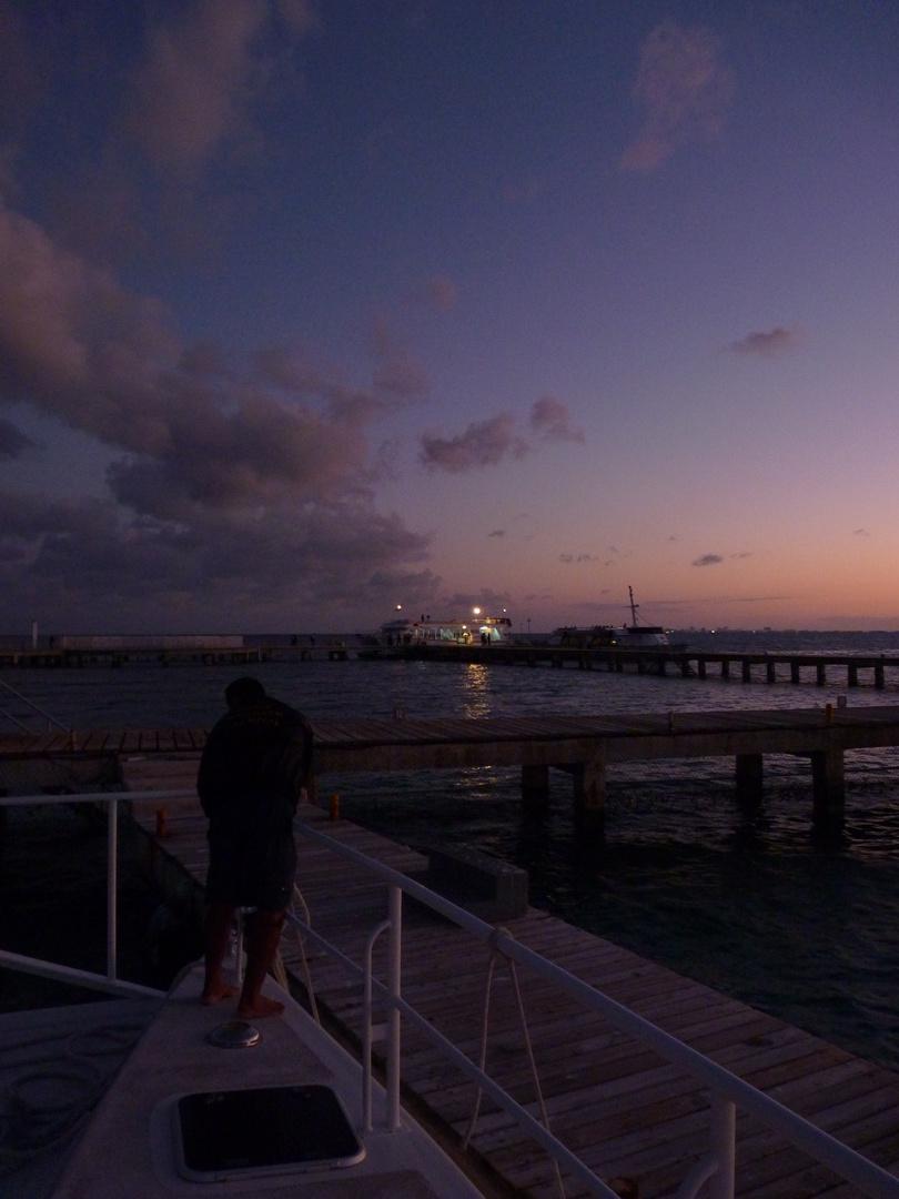couché de soleil sur la mer des caraibes