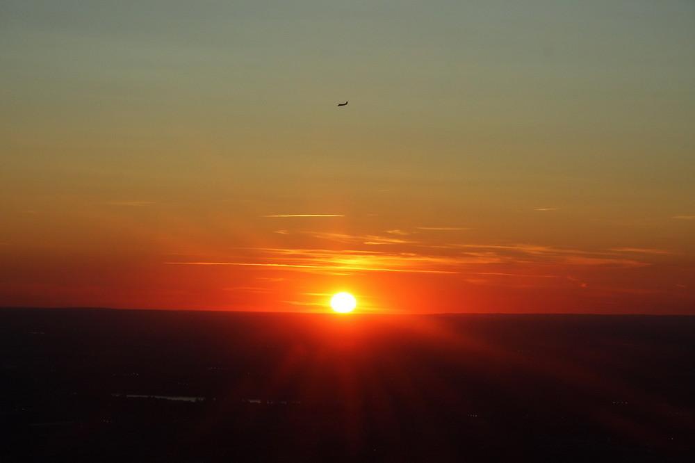 Couché de soleil vue d'avion, et sur un Dash-8 en approche à Montréal...