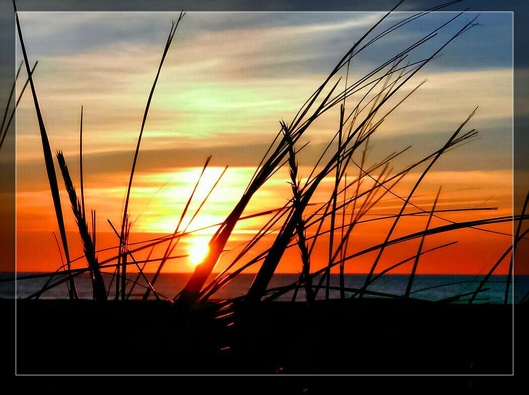 Coucher de soleil sur la mer ~~~ Sonnenuntergang am Meer