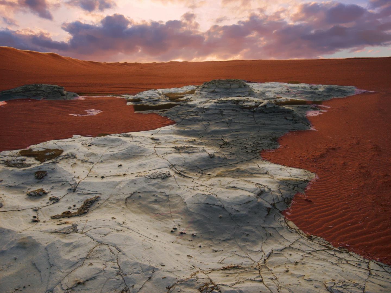coucher de soleil sur le désert lybien