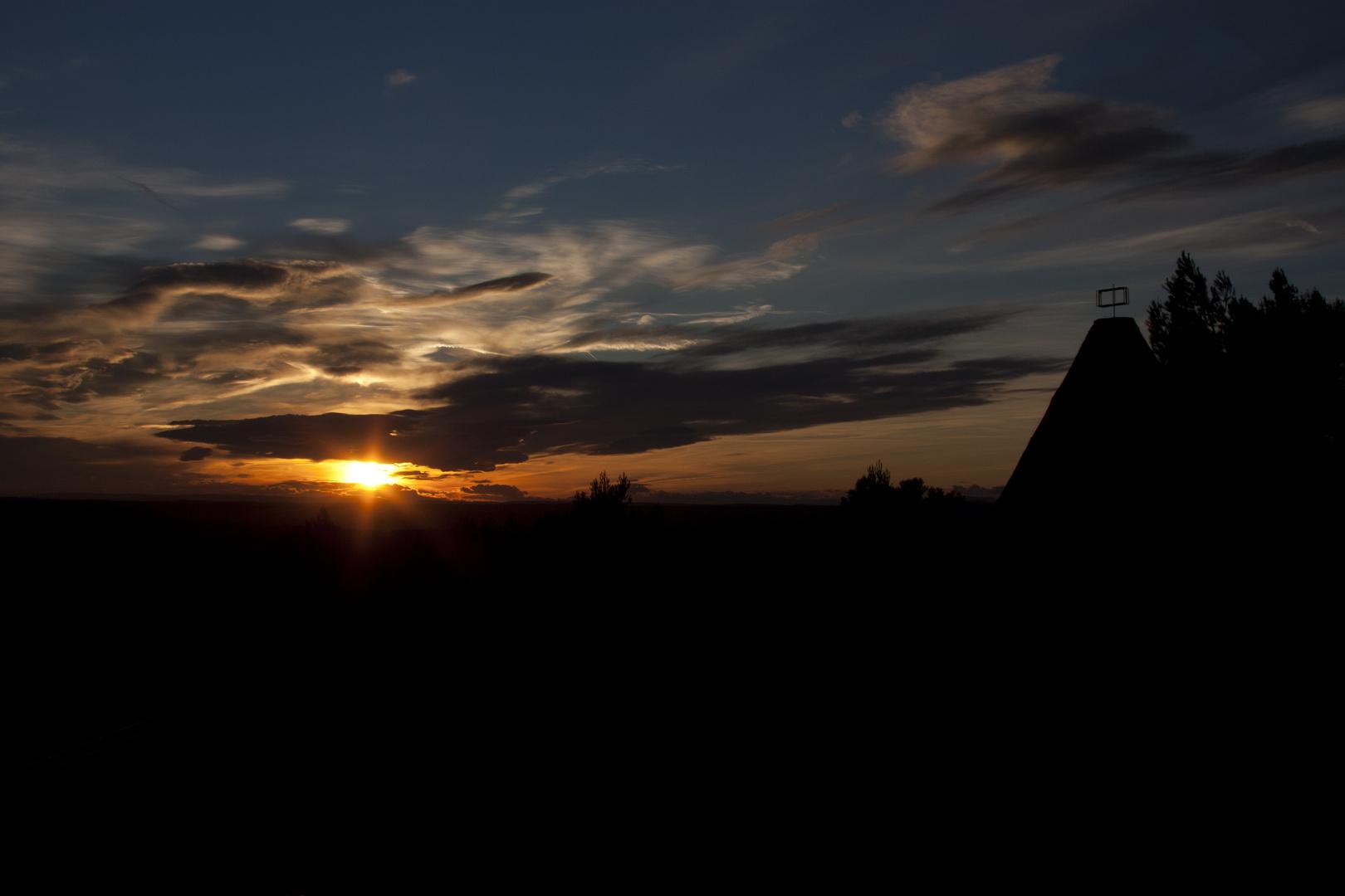 Coucher de soleil sur les moulins de Calvisson
