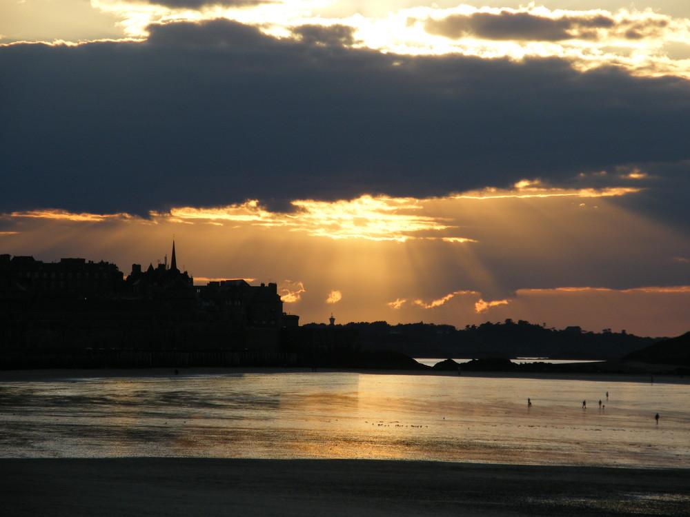 coucher de soleil sur St Malo