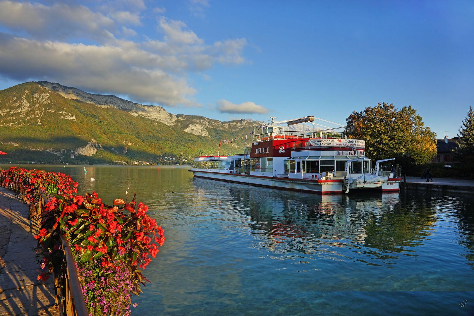 Couleurs sur le Lac d'Annecy