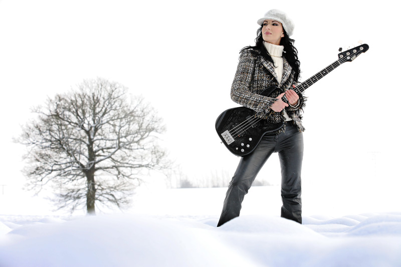 Cover für Bassistin