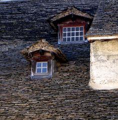 Crémieu - Isère - Fenêtres ....