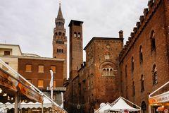 Cremona, torri e torrone