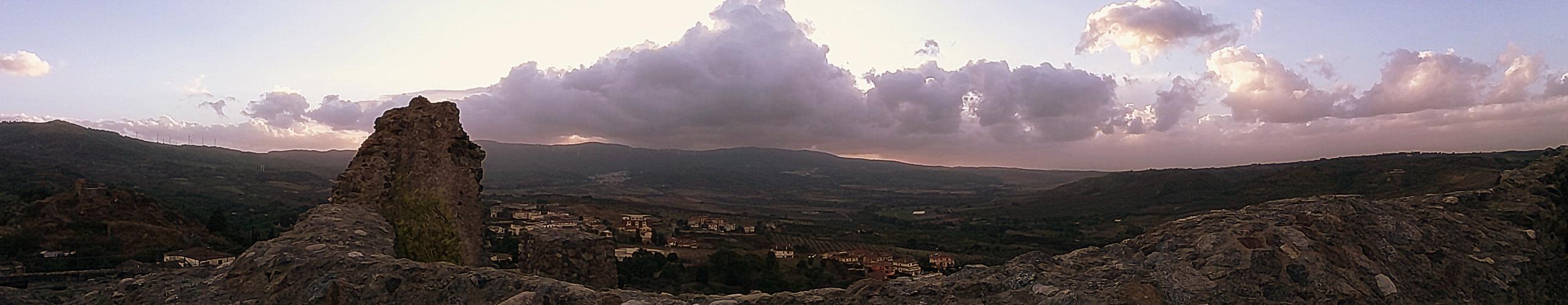Crepuscolo dal castello di Squillace....