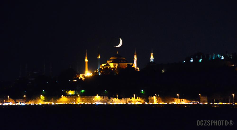 Crescent on the Hagia Sophia - Istanbul