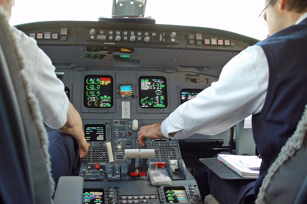 CRJ-700 Cockpit