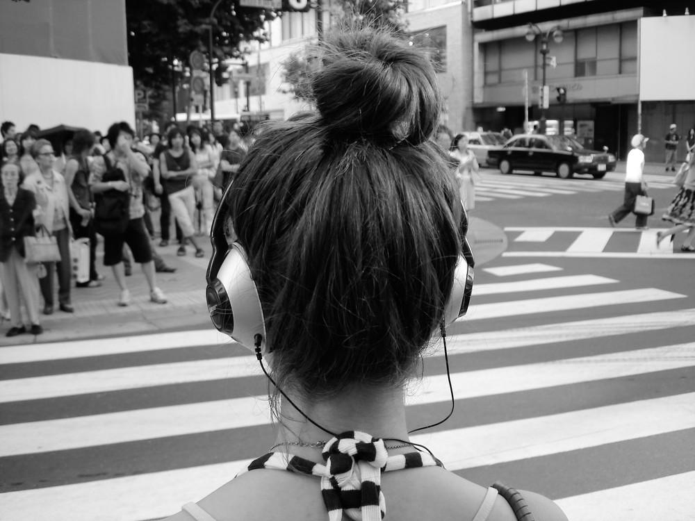Crossing neck