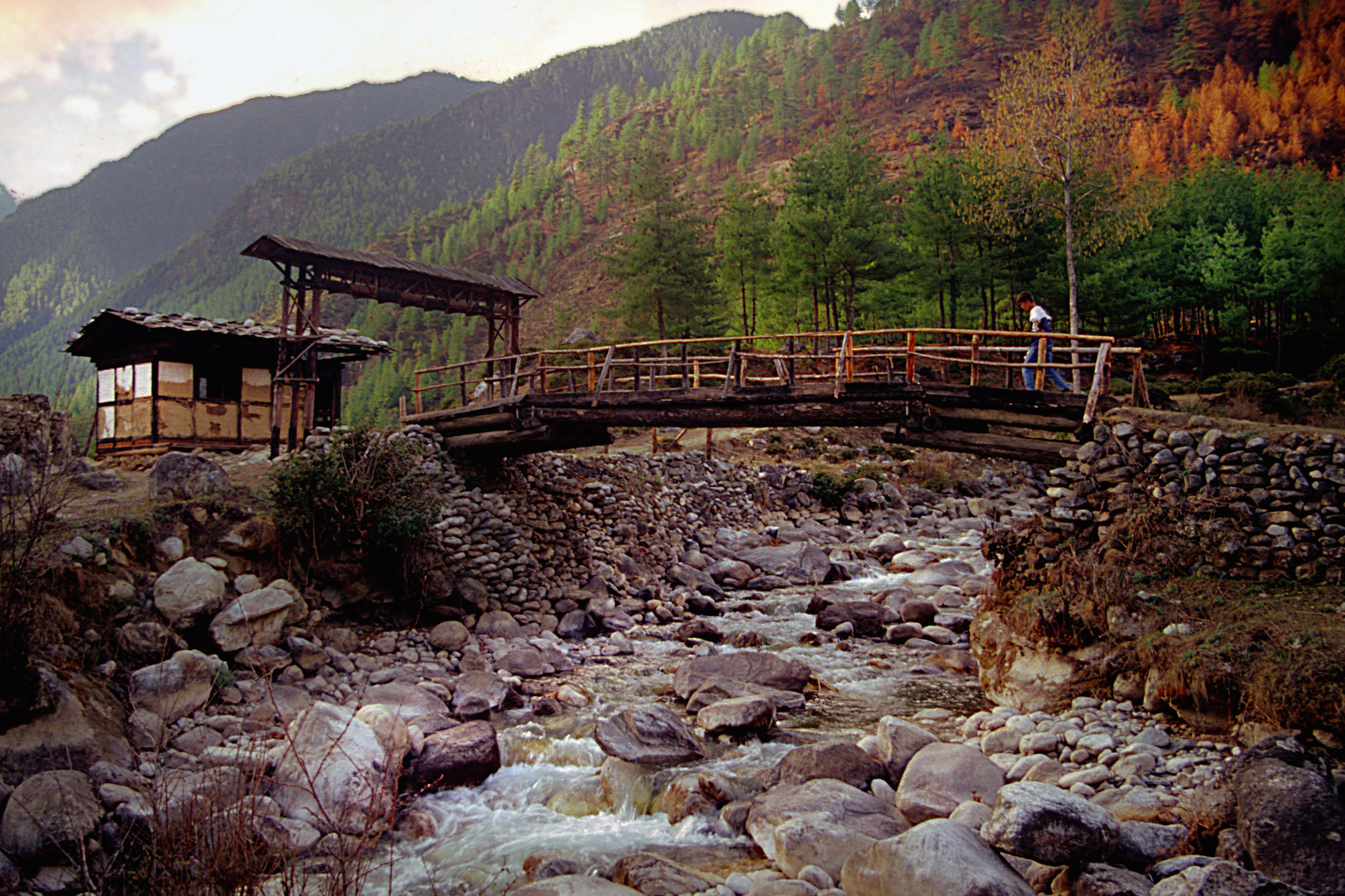 Crossing the Paro Chu river to the Jomolhari base camp