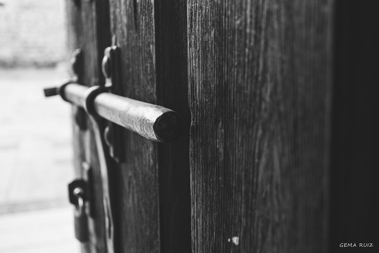 Cuando una puerta se cierra , se abre otra ...