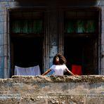 Cuba | Mirando desde un balcón