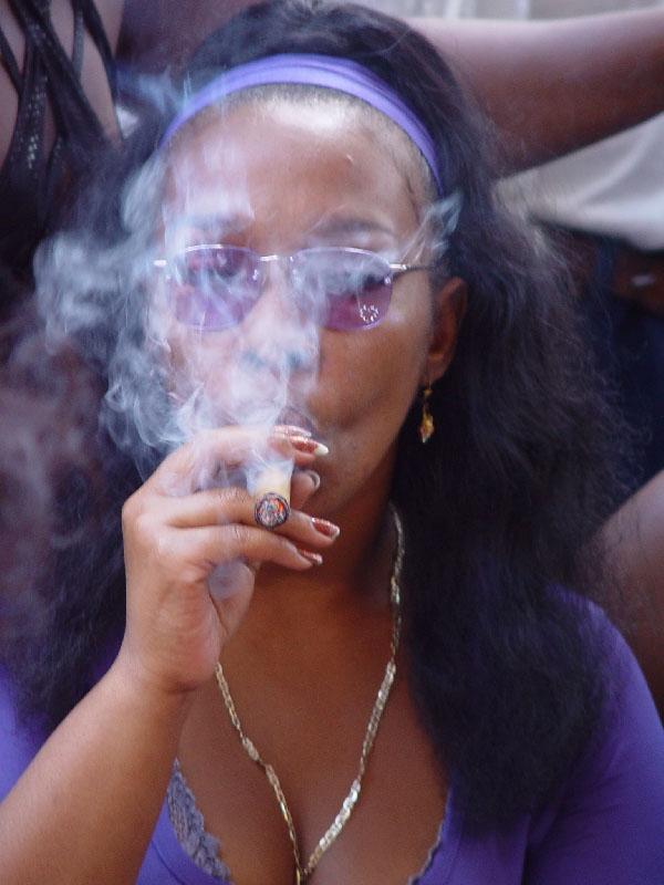 Cubana enjoying a purro