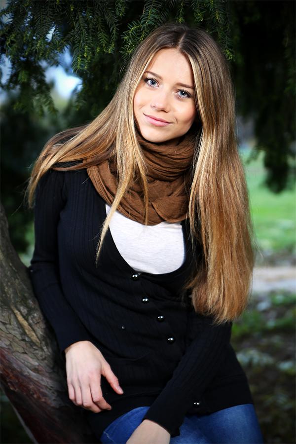 czech girl in Kampa Garden in Prag Foto & Bild | portrait