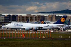 D-ABVW Lufthansa - Boeing 747-430