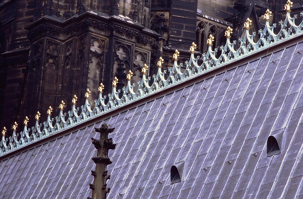 Dach des Kölner Doms einmal anders gesehen