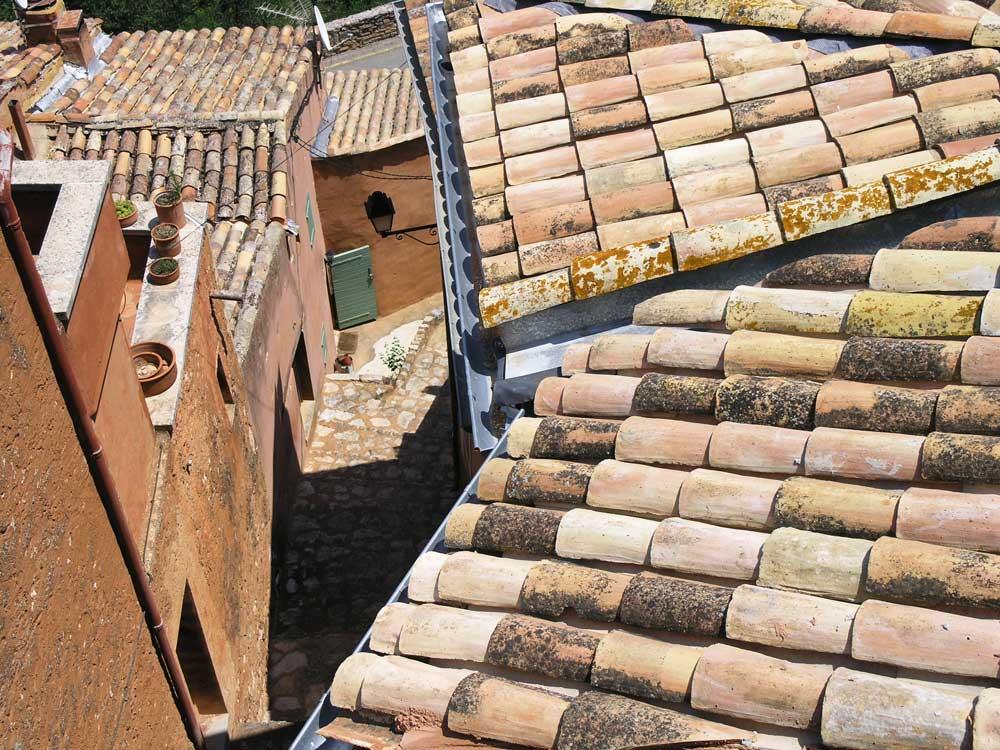 Dächer der Provence